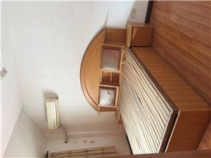 聚龙花园3室2厅2卫1200元/月