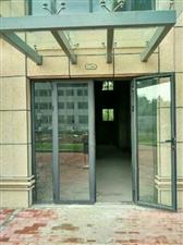 霍邱新四小旁,汇丰国际城现有两间门面房出租