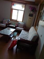 荷花塘小区,3室2厅2卫1600元/月