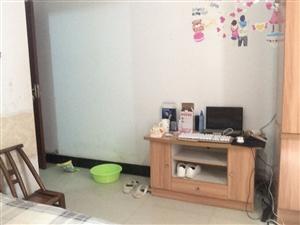 火车站义洲三街1室1厅1卫350元/月