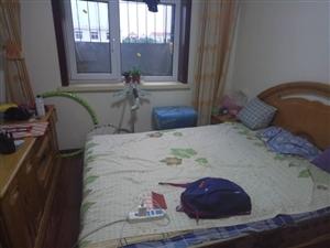 兴盛里1室1厅1卫500元/月