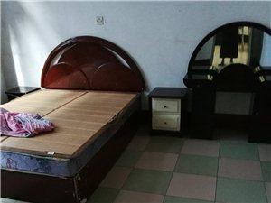 二室二厅一厨一卫套房出租