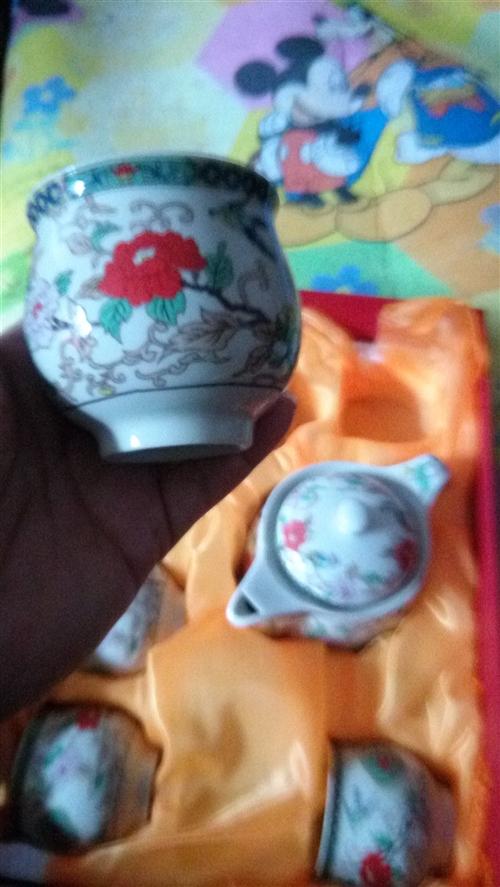 全新茶具两套