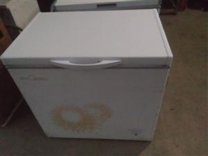 美的197升冰柜全新冰柜  外皮有轻微磕...