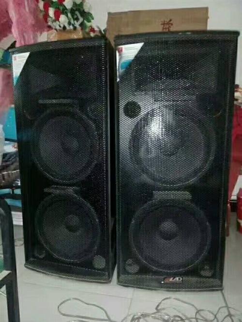 本人出售双十五音响,调音台,全新无线话筒...