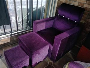 美甲桌椅,沙发,墙架,全部九成新。