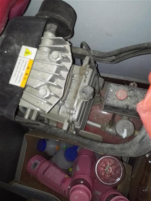 气泵试饸烙机      两用冰柜       60型号压面机