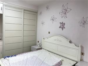 一楼带院翡翠城3室2厅2卫价格面议