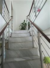 领秀边城3室2厅2卫42.8万元