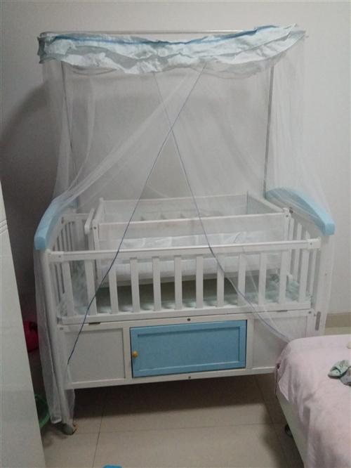 轉讓品牌嬰兒床,九五成新,東西齊全,有蚊...