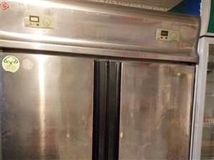 是四门大冰柜、换下来。1800有用的着的...