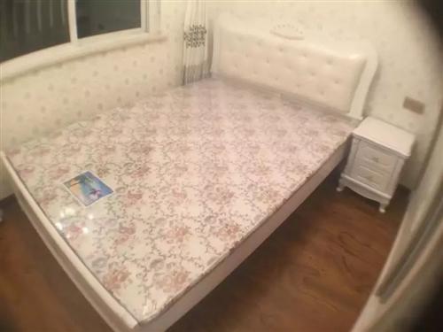 全新西式1.5米床,床墊及床頭柜