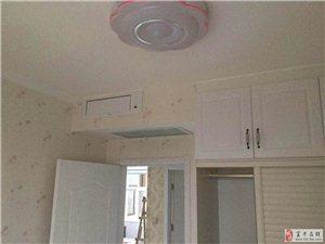 如何安装空调更舒适美观?传统柜机空调款式易变旧,且占客厅黄金位置,不划算有又卫生死角;柜机总是对人直