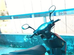 烧油摩托车,七成新,无损坏。