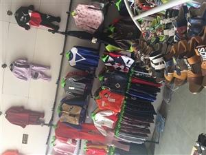 服装店的衣架,货架,射灯,等便宜出售15...
