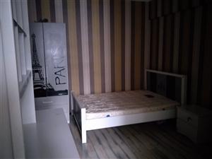 时代广场3室2厅2卫1833元/月