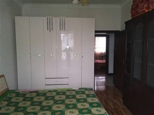 龙腾锦城3室2厅2卫1100元/月