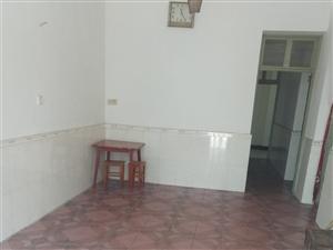 中国人寿保险公司对面天发加油站西湖路2室1厅1卫500元/月