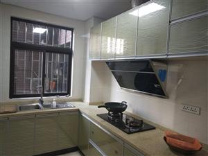 阳光大院3居室,中装,可按揭51.8万元