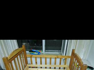儿童床婴儿床 自家很多年的木匠用好木做给