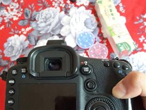 本人有佳能7D单反相机一部,配超声波18-135镜头,由于放置家里作用不大,欲出售给需要或者有摄影兴