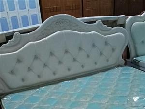 简欧实木大床,15076609513,全新,1700元,纯棕垫