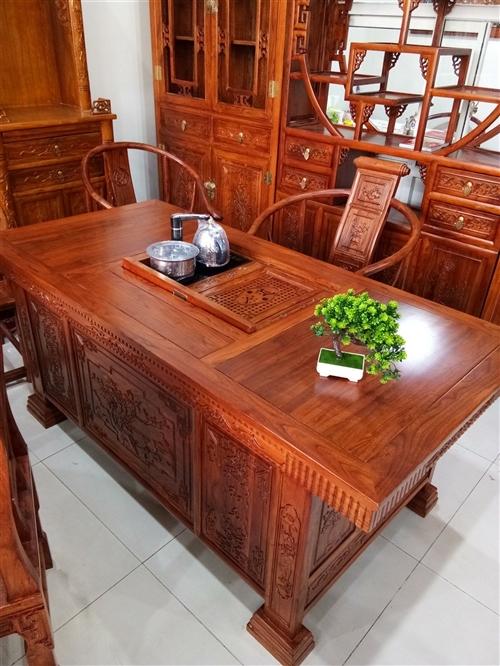 1.6米茶道,帶五把椅子,真正老榆木,4200元,送貨到家。15076609513