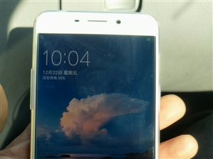 OPPO??R9plus 9 成新 价格实惠 刚买不久 本人换了苹果 多余手机出售 需要的联系 微信...