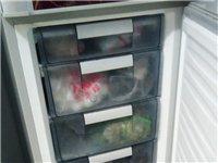 美菱冰箱,九成新,沒有任何磕傷,裝的東西非常多,很實用,值得購買
