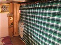 七里贤德苑2米乘1.5米双人?#30340;?#24202;自己木材加工,?#27597;?#26684;放很多东西,带床垫加厚的。带床头因搬家600元...