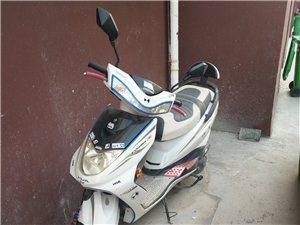 出售雅马哈踏板摩托车,