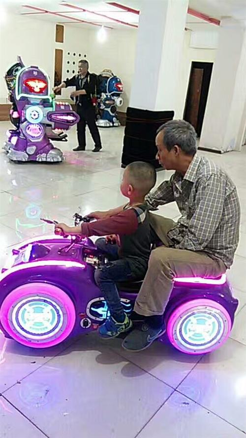 儿童梦幻摩托车和变形金刚,超级好玩,小孩大人都适合玩,尤其梦幻摩托,开出去洋气,数量有四个,自己玩或...