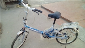 适合学生骑的2.4轮的大小,全新,未使用过,一直闲置,现低价出售