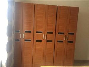 实木衣柜 因不常在家 现在低价出售