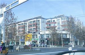 卢龙尚城花墅朝南270平米门市出租35000元/年