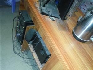 ,电脑1.2桌出售,刚买不到半年,买来520,现在便宜卖100