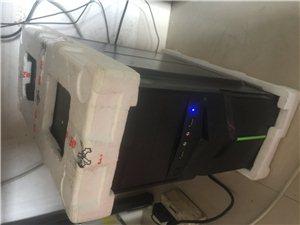 出售三台台电脑,主机,显示器,两台用三个月不到,一台用半年多,来个打包的,以前做qq用的