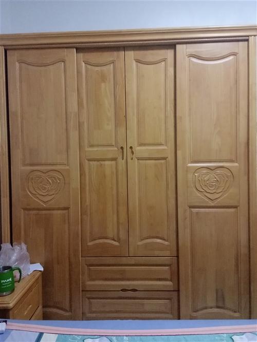 实木衣柜 原木色