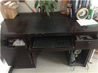 办公桌两台7.8成新