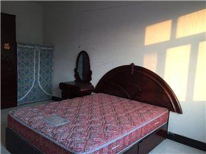 金宇小区3室2厅2卫1000元/月