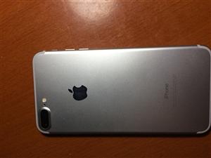 苹果7plus 美版全网通234  银白色32g。99新无进水无拆修,18年九月份过保