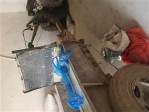 手扶拖拉机有人要吗,轮胎还有里面那个瓦都是新换的,要的联系非诚勿扰