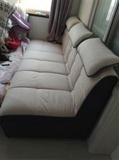 因生二胎地方小装不下,长2米宽90厘米,布衣沙发套浅灰白色可拆卸清洗,有粘贴片再粘上就行,靠背,靠垫...