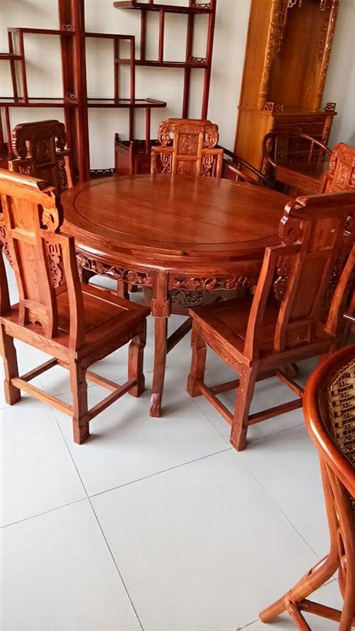 老榆木餐桌,帶六把餐椅