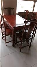 老榆木餐桌,�Я�把餐椅3900元,15076609513