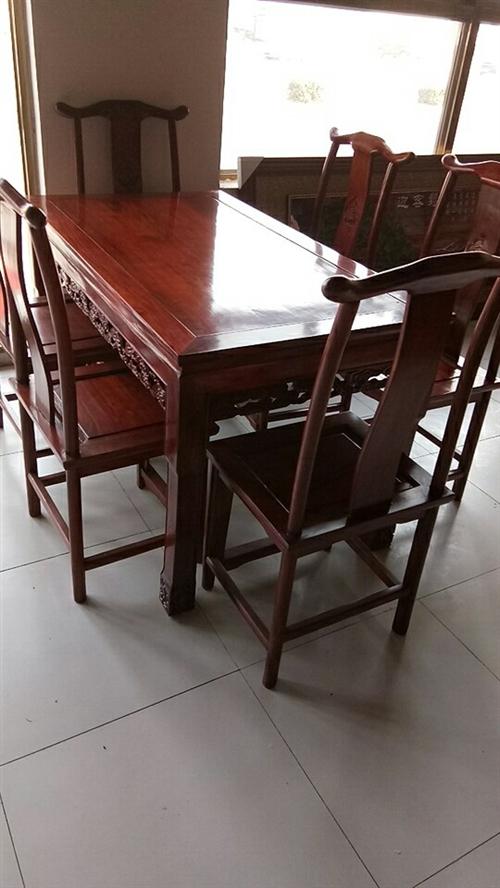 老榆木餐桌,帶六把餐椅3900元,15076609513