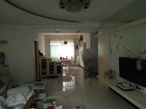 凤凰中学大户型中装3室2厅2卫44.8万元
