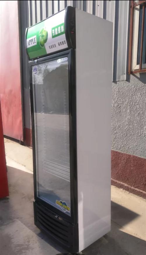 龙州安置区出售9成新冰箱展示柜,需要者自提