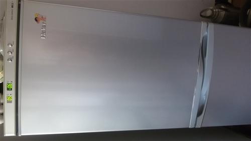 冰柜258立升,1000元,冰箱240立升,800元 上下铺铁床四套,带床板,单价200元