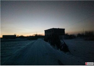 穿越黎明前的黑暗